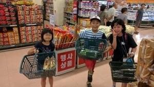 買い物3人